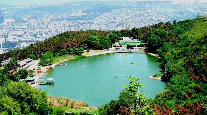 گالری عکس دریاچه لاک پشتها و لیسی در گرجستان
