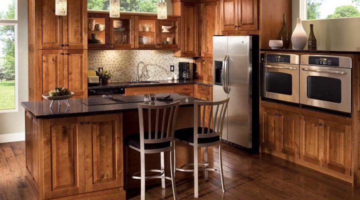 گالری عکس دکوراسیون آشپزخانه با کابینت چوبی