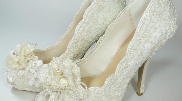 گالری عکس کفش عروس پاشنه دار