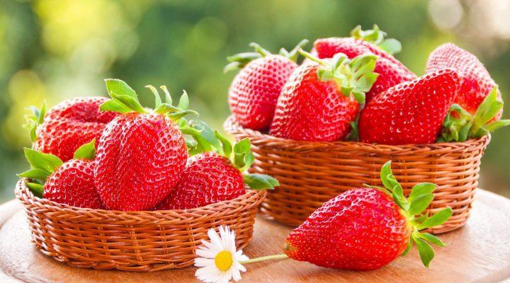 گالری عکس میوه های قرمز